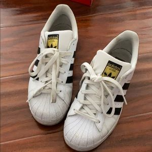 Shoes - Adidas superstar